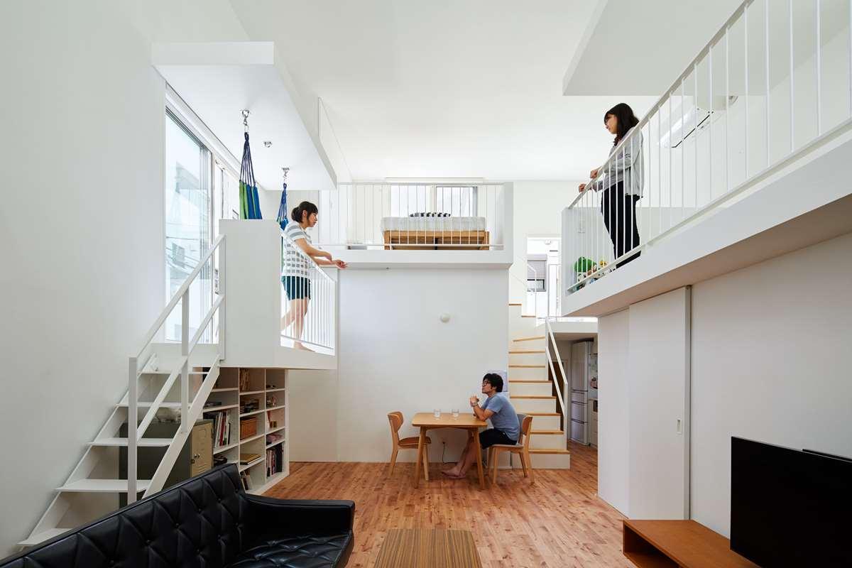 Balcony House in Tokyo by Takeshi Hosaka Architects - Home ...